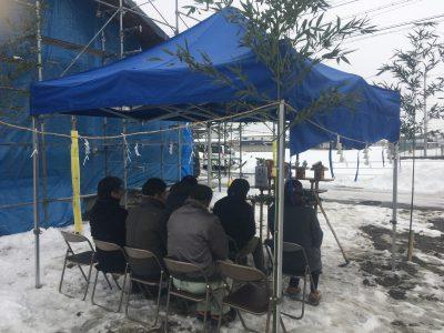 雪の中地鎮祭